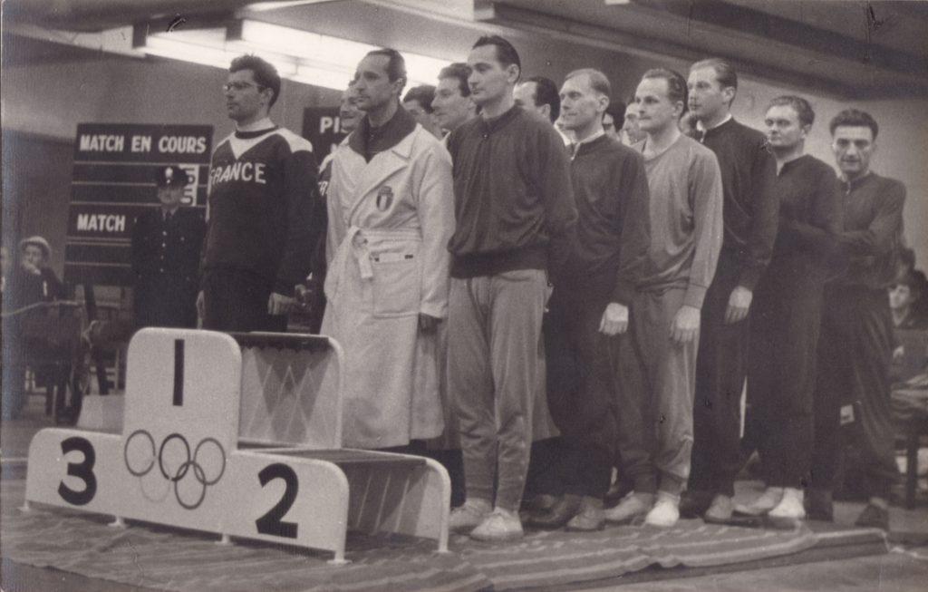 Az 1956-os Melbourne-i olimpián ezüstérmes párbajtőr csapat (balról: Sákovics József, Balthazár Lajos, Marosi József, Dr. Nagy Ambrus, Berzsenyi Dániel, Dr. Rerrich Béla)